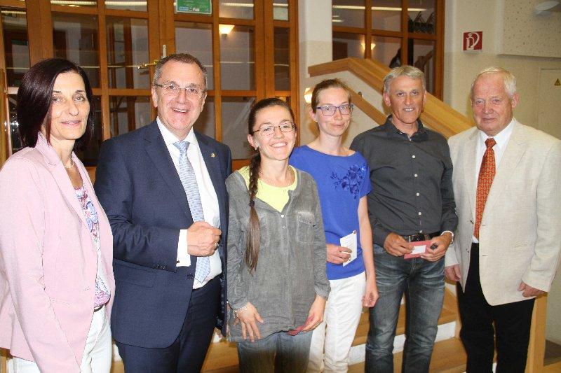 Silber Obfrau Monika Moser, Bürgermeister Rupert Dworak, Verena Schneider, Sabine Fuchs, Fritz Schwarz, Ehrenobmann Heinz Oberer